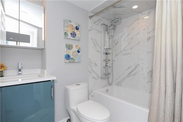 Condo Apartment at 33 Weldrick Rd E, Unit 302, Richmond Hill, Ontario. Image 10