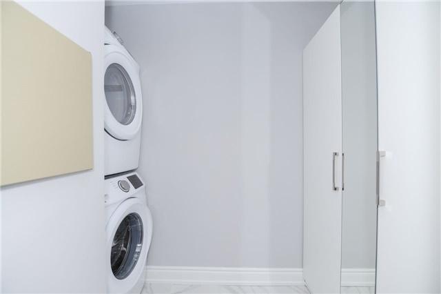 Condo Apartment at 33 Weldrick Rd E, Unit 302, Richmond Hill, Ontario. Image 11