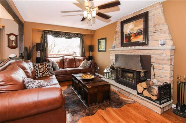 Detached at 564 Haines Rd, Newmarket, Ontario. Image 18