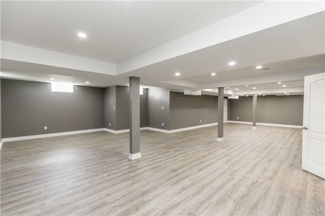 Detached at 20 Golfview Blvd, Bradford West Gwillimbury, Ontario. Image 7