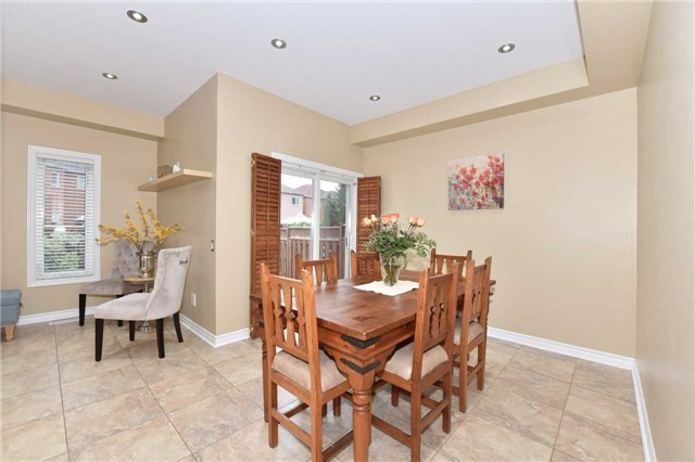 Detached at 202 Sylwood Cres, Vaughan, Ontario. Image 17