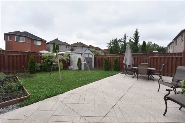 Detached at 202 Sylwood Cres, Vaughan, Ontario. Image 10