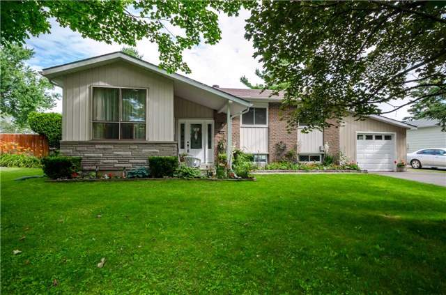 Detached at 218 Newholme Circ, Innisfil, Ontario. Image 1