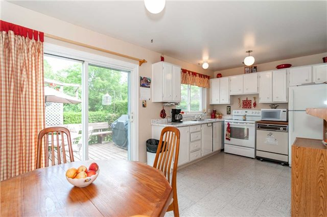 Detached at 218 Newholme Circ, Innisfil, Ontario. Image 2