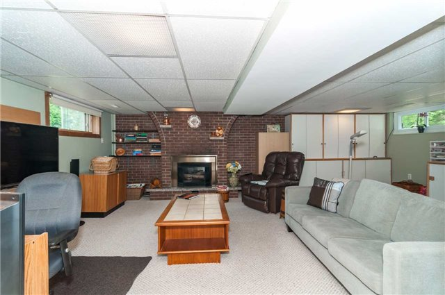 Detached at 218 Newholme Circ, Innisfil, Ontario. Image 7