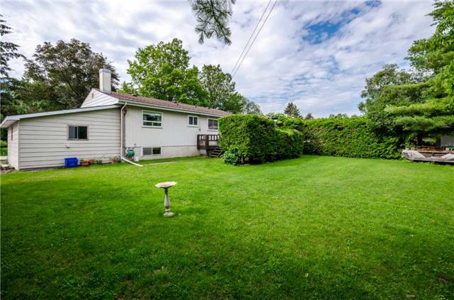 Detached at 218 Newholme Circ, Innisfil, Ontario. Image 9