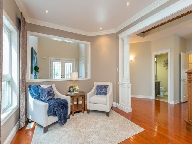 Detached at 13 Manorpark Crt, Markham, Ontario. Image 12