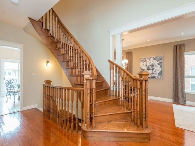Detached at 13 Manorpark Crt, Markham, Ontario. Image 3