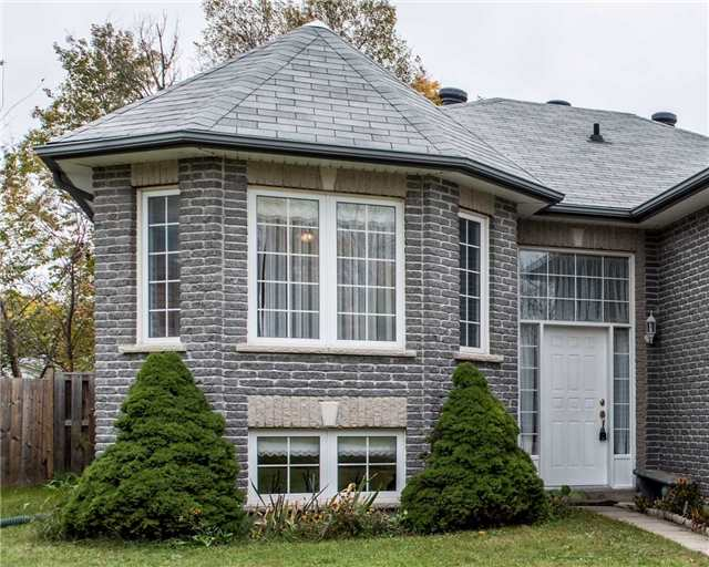 Detached at 2258 Mildred Ave, Innisfil, Ontario. Image 12