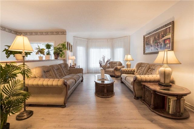 Detached at 2258 Mildred Ave, Innisfil, Ontario. Image 14