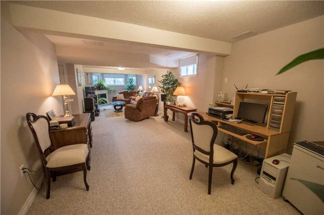 Detached at 2258 Mildred Ave, Innisfil, Ontario. Image 7