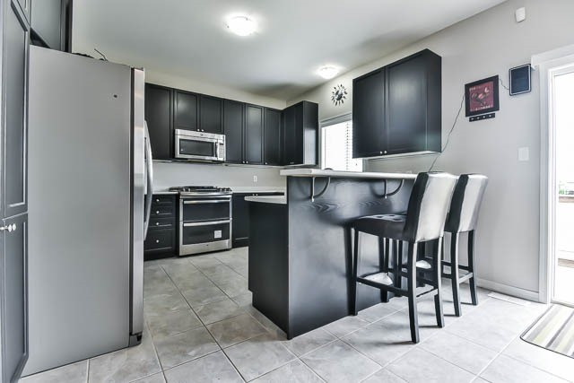 Detached at 2060 Mcneil St, Innisfil, Ontario. Image 16