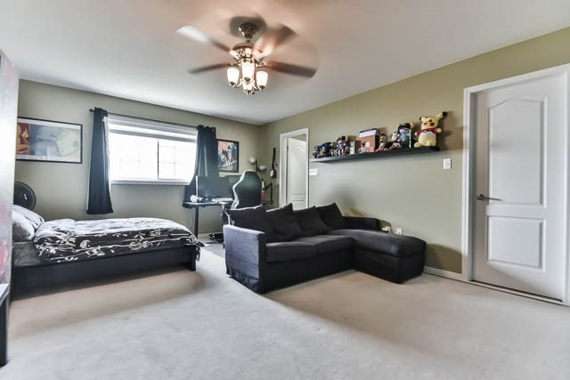 Detached at 2060 Mcneil St, Innisfil, Ontario. Image 19