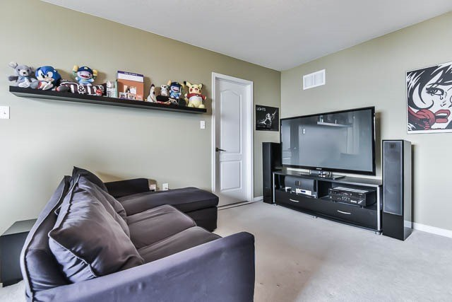 Detached at 2060 Mcneil St, Innisfil, Ontario. Image 20