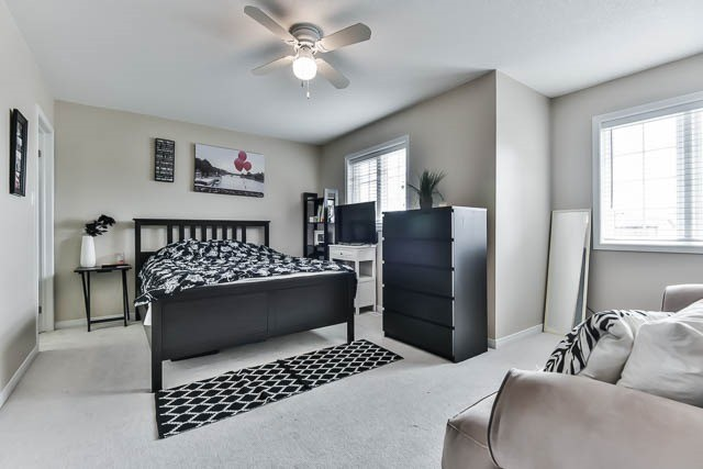 Detached at 2060 Mcneil St, Innisfil, Ontario. Image 3