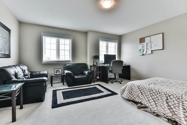 Detached at 2060 Mcneil St, Innisfil, Ontario. Image 5