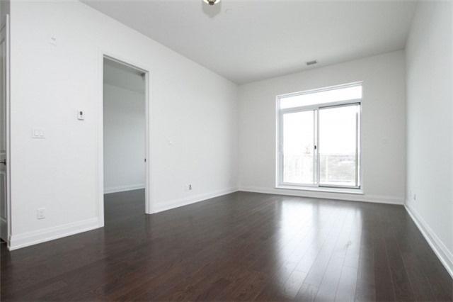 Condo Apartment at 15277 Yonge St, Unit 703, Aurora, Ontario. Image 5