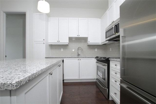 Condo Apartment at 15277 Yonge St, Unit 703, Aurora, Ontario. Image 7
