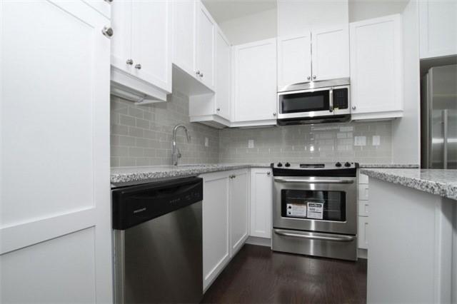 Condo Apartment at 15277 Yonge St, Unit 703, Aurora, Ontario. Image 8