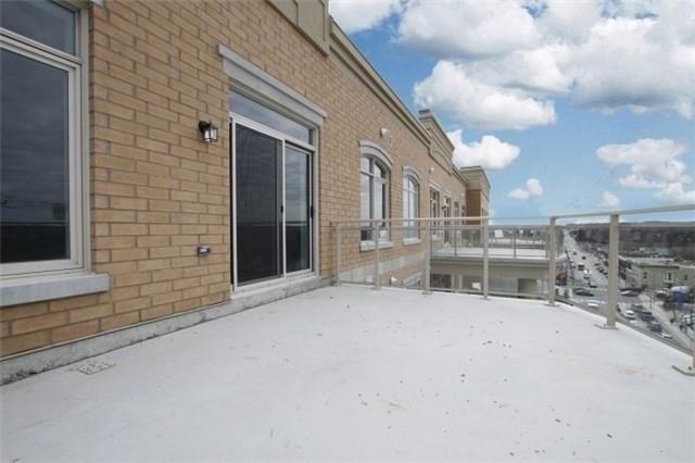 Condo Apartment at 15277 Yonge St, Unit 703, Aurora, Ontario. Image 2