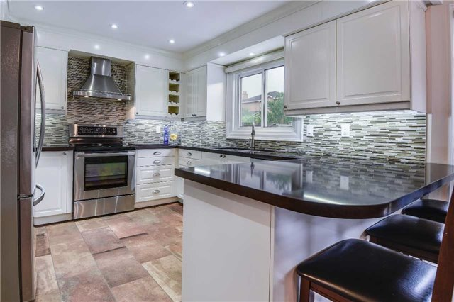 Detached at 30 O'connor Cres, Richmond Hill, Ontario. Image 18