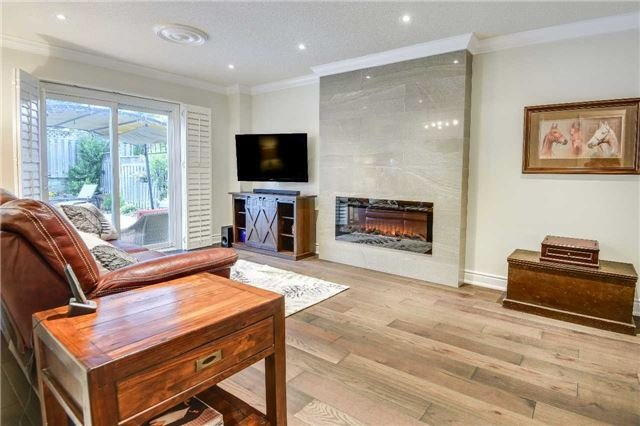 Detached at 30 O'connor Cres, Richmond Hill, Ontario. Image 2