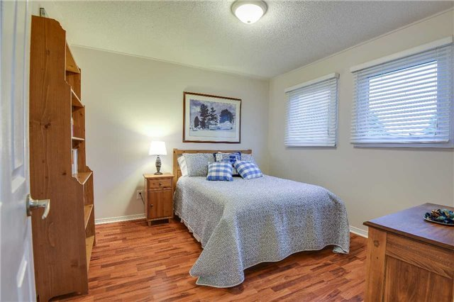 Detached at 30 O'connor Cres, Richmond Hill, Ontario. Image 7