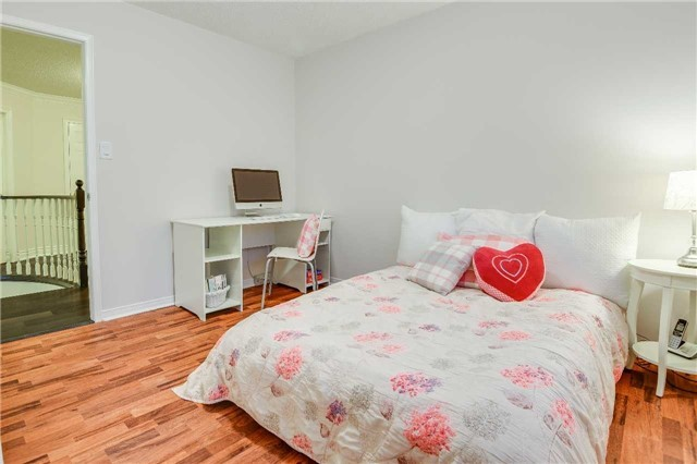Detached at 30 O'connor Cres, Richmond Hill, Ontario. Image 8