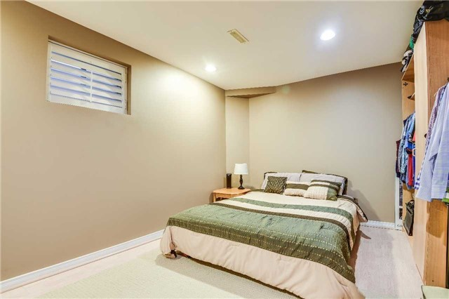 Detached at 30 O'connor Cres, Richmond Hill, Ontario. Image 10