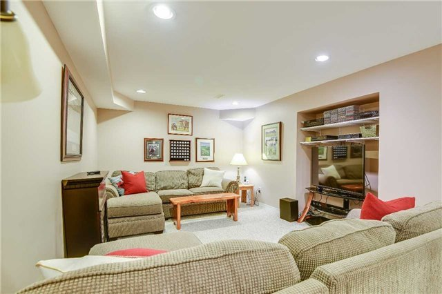 Detached at 30 O'connor Cres, Richmond Hill, Ontario. Image 11