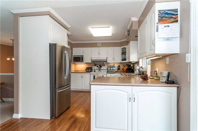 Detached at 3772 West St, Innisfil, Ontario. Image 10