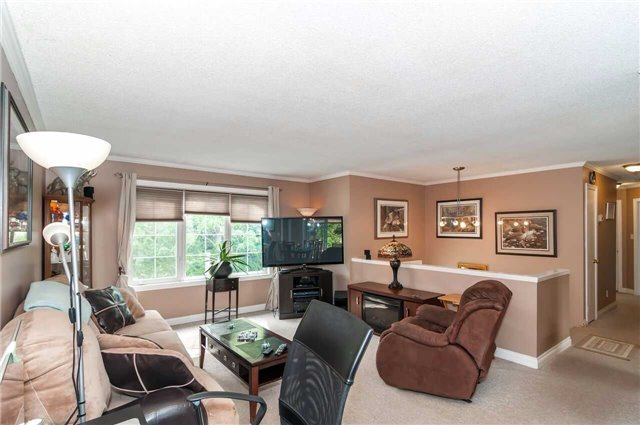 Detached at 3772 West St, Innisfil, Ontario. Image 11