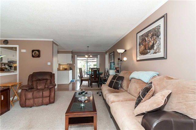 Detached at 3772 West St, Innisfil, Ontario. Image 12