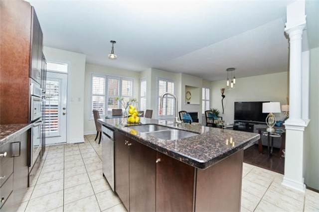 Detached at 19 Horsedreamer Lane, Whitchurch-Stouffville, Ontario. Image 16