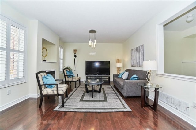 Detached at 19 Horsedreamer Lane, Whitchurch-Stouffville, Ontario. Image 18