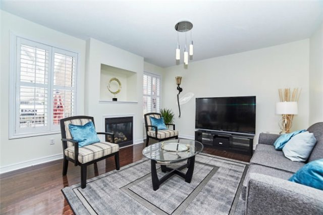 Detached at 19 Horsedreamer Lane, Whitchurch-Stouffville, Ontario. Image 19