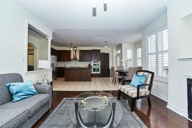 Detached at 19 Horsedreamer Lane, Whitchurch-Stouffville, Ontario. Image 20