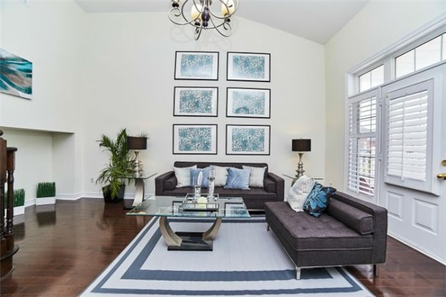 Detached at 19 Horsedreamer Lane, Whitchurch-Stouffville, Ontario. Image 3