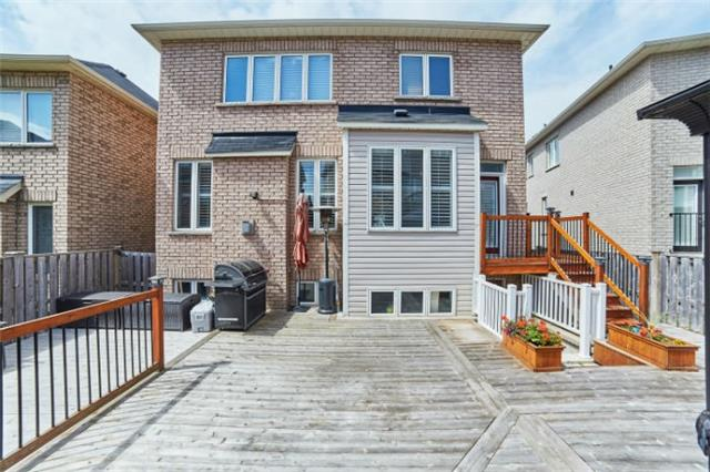 Detached at 19 Horsedreamer Lane, Whitchurch-Stouffville, Ontario. Image 11