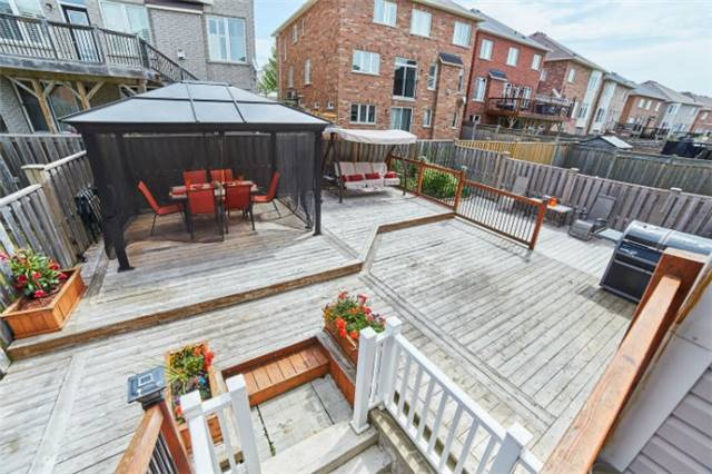 Detached at 19 Horsedreamer Lane, Whitchurch-Stouffville, Ontario. Image 13