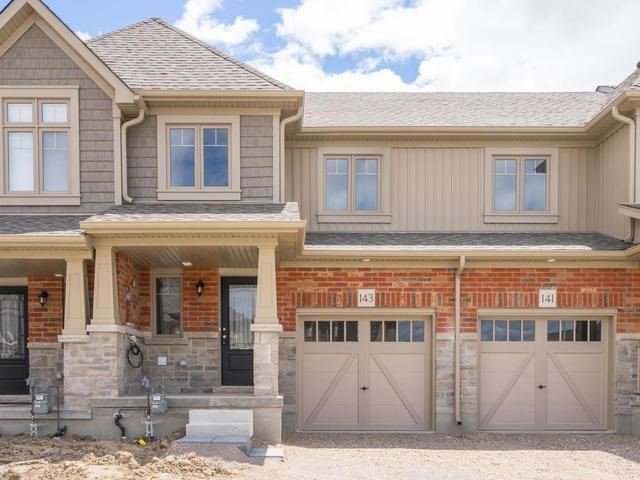 Townhouse at 143 Hutchinson Dr, New Tecumseth, Ontario. Image 1