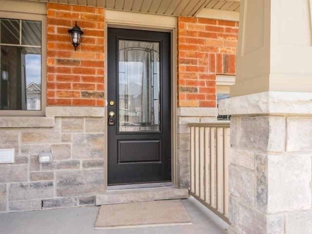 Townhouse at 143 Hutchinson Dr, New Tecumseth, Ontario. Image 5