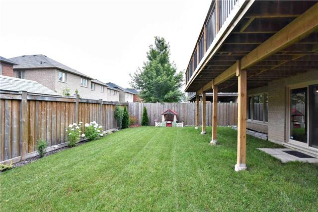 Detached at 19 Rose Cottage Lane, King, Ontario. Image 9