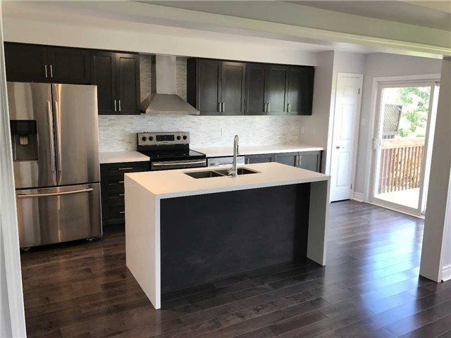 Townhouse at 247 Chilcott Cres, Newmarket, Ontario. Image 14