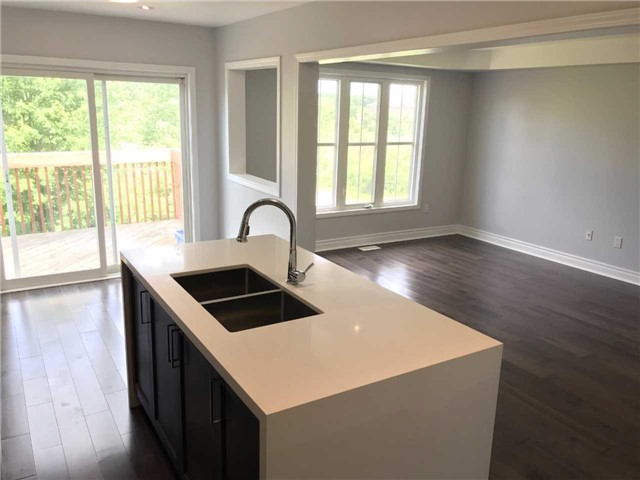 Townhouse at 247 Chilcott Cres, Newmarket, Ontario. Image 15