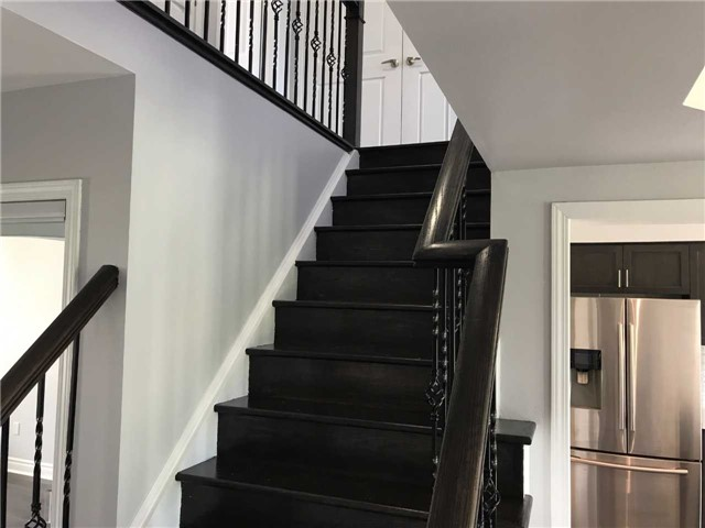 Townhouse at 247 Chilcott Cres, Newmarket, Ontario. Image 16