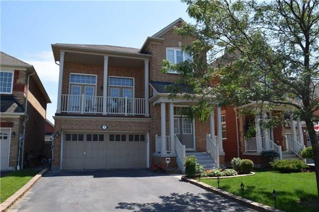 Detached at 7 Clamerten Rd, Whitchurch-Stouffville, Ontario. Image 1