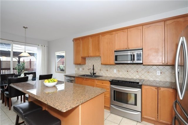 Detached at 7 Clamerten Rd, Whitchurch-Stouffville, Ontario. Image 17