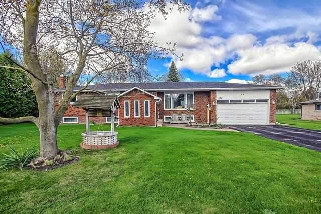 Detached at 28 Delta Cres, East Gwillimbury, Ontario. Image 1