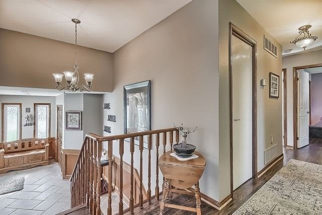 Detached at 28 Delta Cres, East Gwillimbury, Ontario. Image 15